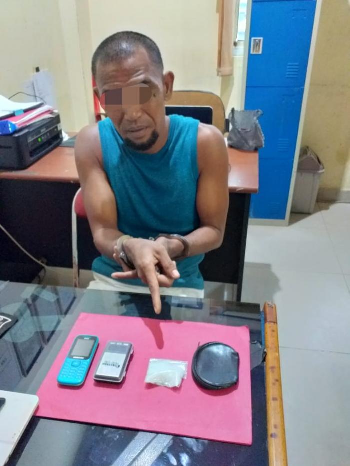 Sempat Kabur dan Buang Barang Bukti, Seorang Pengedar Sabu Ini Berhasil Dibekuk Polisi | Polres-Dumai,Hukrim--Narkotika