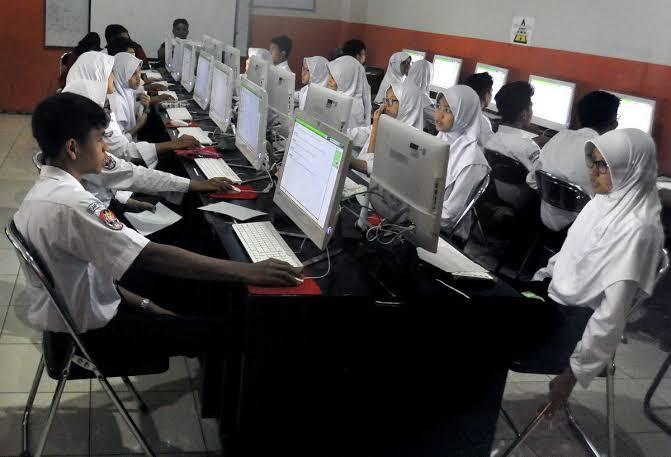 Hari Pertama UNBK Pelajar SMP/ MTs di Dumai Berlangsung Lancar |