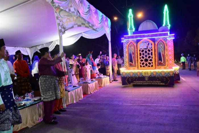 Walikota Dumai Resmikan Pawai Takbir Idul Fitri 1439 H | Pemko-Dumai,Masyarakat-Kota-Dumai,Ramadhan-1439-H,Idul-Fitri-1439-H,,Dumai-Riau