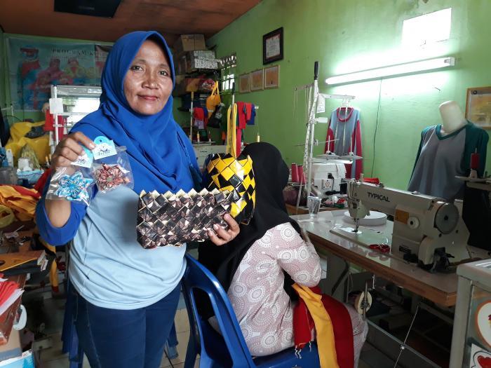 Kisah KSM Adelis, Usaha Binaan Pertamina RU II Dumai | Pertamina-RU-II-Dumai,Kelompok-Usaha-Masyarakat,Pemko-Dumai,Masyarakat-Kota-Dumai,Dumai-Riau