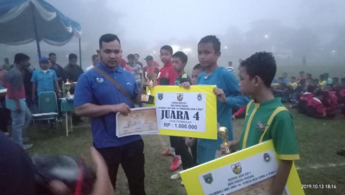 Panitia Turnamen Walikota CUP U-12 Rampas Hak Tampil Bibit Sepak Bola Dumai |