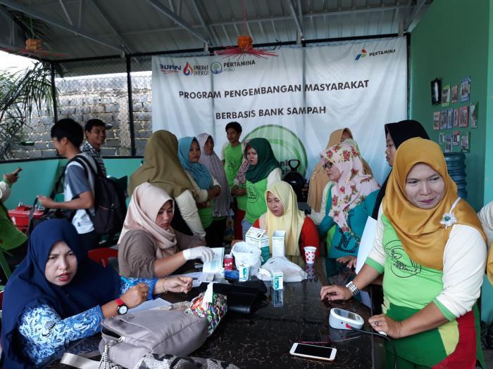 Peringati Hari Ibu, Pertamina RU Gelar Cek Kesehatan Bayar Dengan Sampah | HUT-Pertamina-ke--61,Masyarakat-Kota-Dumai,HUT-Pertamina-ke--61,Dumai-Riau
